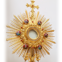 monstrance200sq